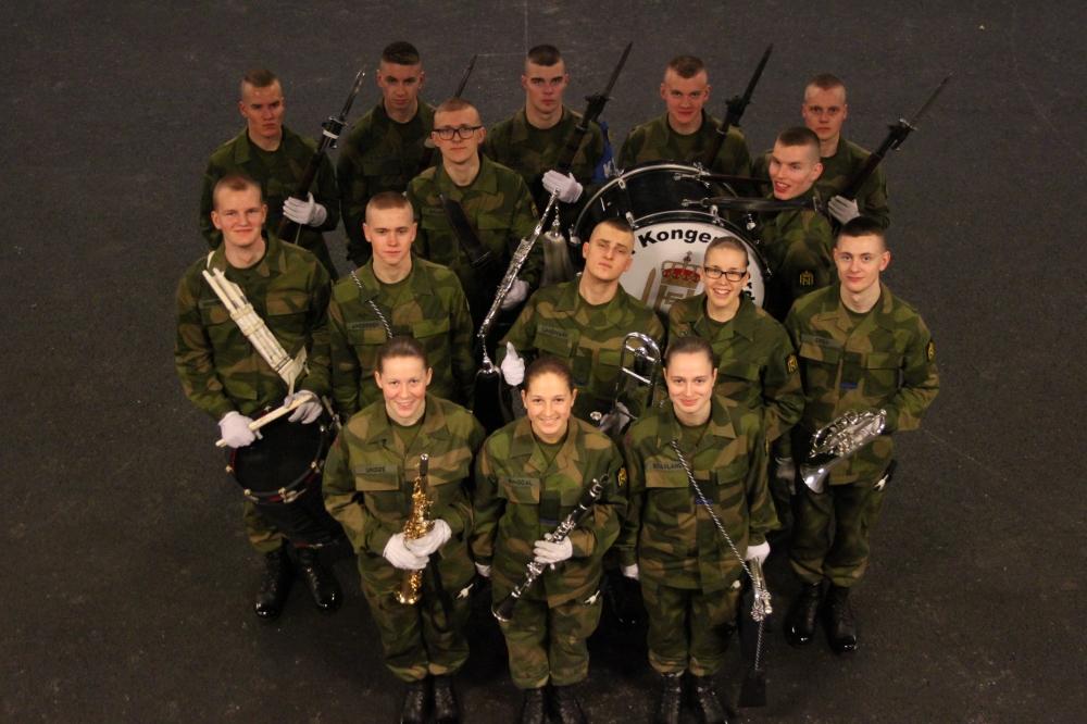 3.Gardekompanis visekorporaler fra musikk- og drilltroppen.