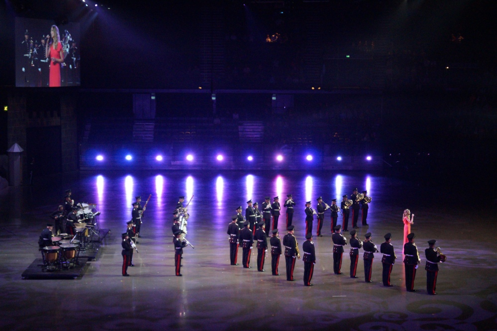 Forsvarets Stabsmusikkorps med sangsolist Ingebjørg Bratland